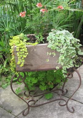 Des id es de d coration du jardin bio avec de la r cup 39 for Sujet decoratif pour jardin
